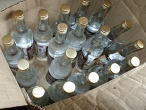 Пили, пьем и будем пить: сколько нелегального алкоголя на рынке в Литве