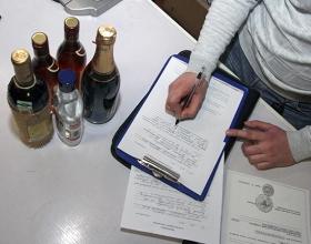 Более 600 единиц алкогольной продукции изъяли в рамках восьмого этапа проверок объектов торговли в Москве