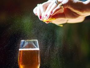 «Сухая» лазейка: как продвигать алкоголь в России после запрета на рекламу