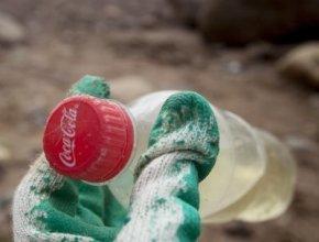 Greenpeace считает Coca-Cola главным пластиковым загрязнителем планеты