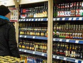 Из-за уплывающих в Латвию миллионов Эстония хочет снизить акцизы на алкоголь