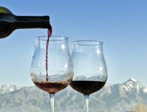 Граждане Армении стали пить вино вдвое больше прежнего