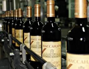 """Винодельческое объединение """"Массандра"""" в Крыму выпустило рекордные 15 млн бутылок в 2018 г"""