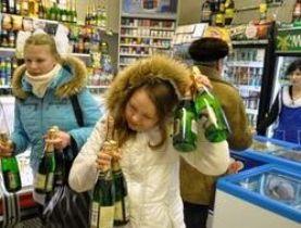 Минпросвещения выступило за сохранение ограничений продажи алкоголя возле школ