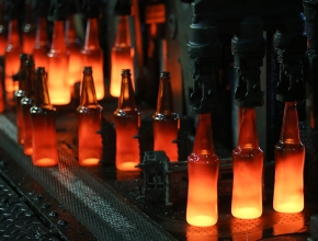 Украина запретила ввоз из России стеклянных банок и бутылок