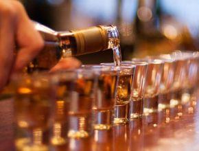 Откроют рюмочные: бизнес высказался об ограничениях на торговлю спиртным